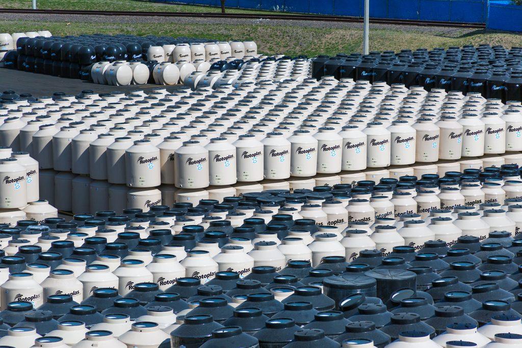 Instalarán 5 mil tinacos en espacios públicos por corte de agua. Noticias en tiempo real