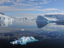 https://pixabay.com/es/photos/la-nieve-hielo-aguas-invierno-3231030/